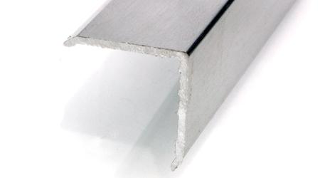 Esquinero 28 x 28 aluminio plata adhes.